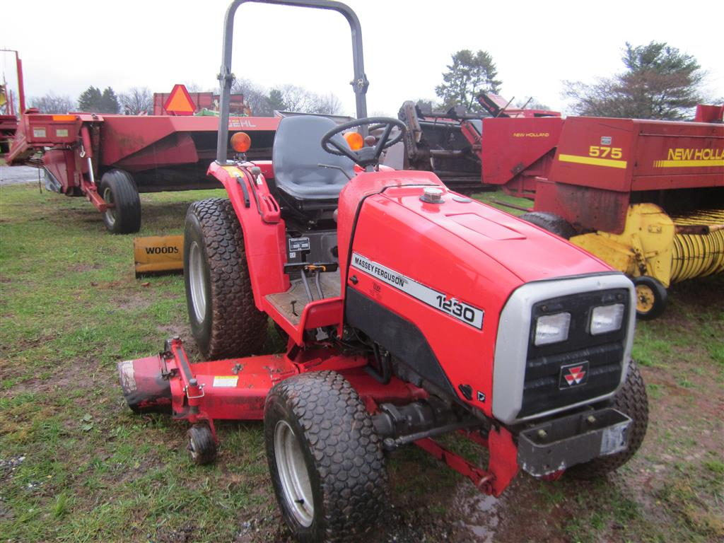 1230 Case Tractor : Used massey ferguson