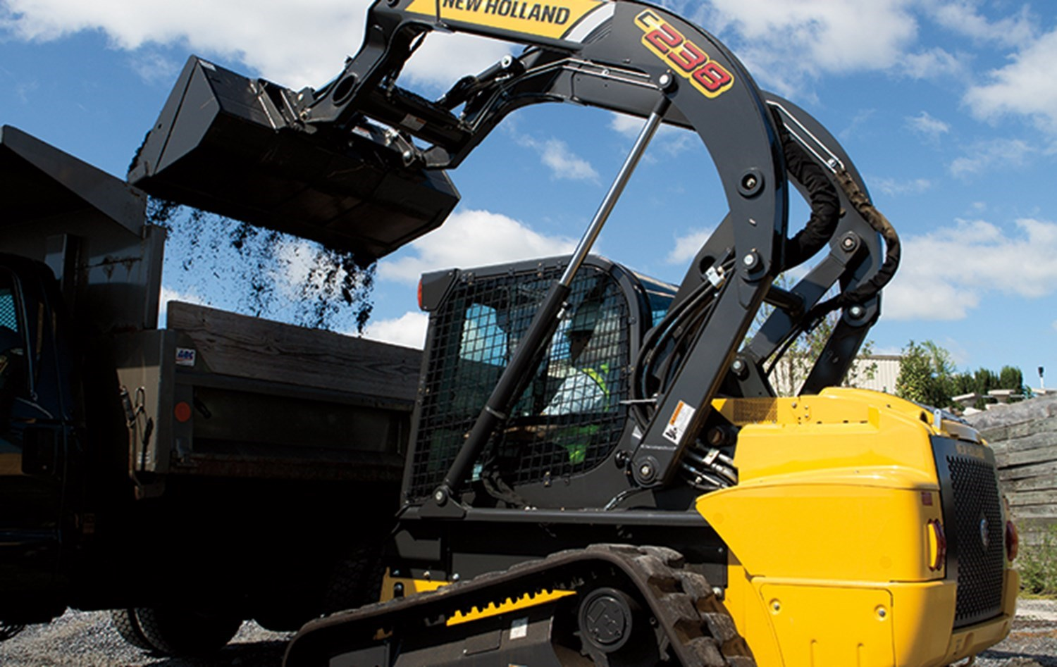 NEW HOLLAND COMPACT TRACK LOADER SERIES