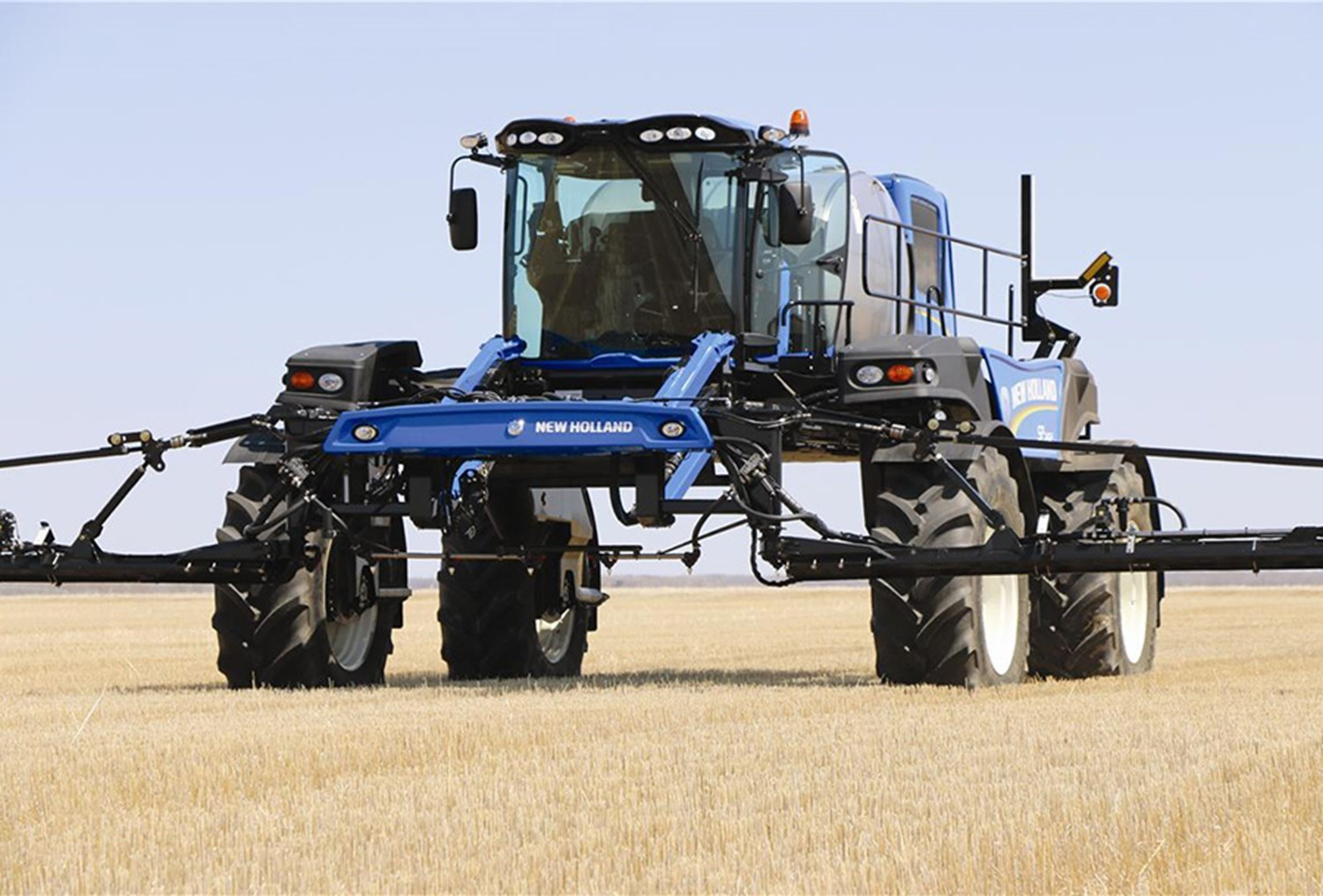 NEW HOLLAND GUARDIAN FRONT BOOM SPRAYER SERIES