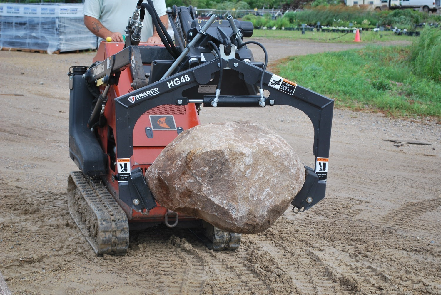 BRADCO HARDSCAPE MINI GRAPPLE SERIES