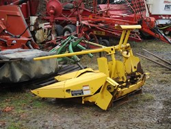 NEW HOLLAND 824