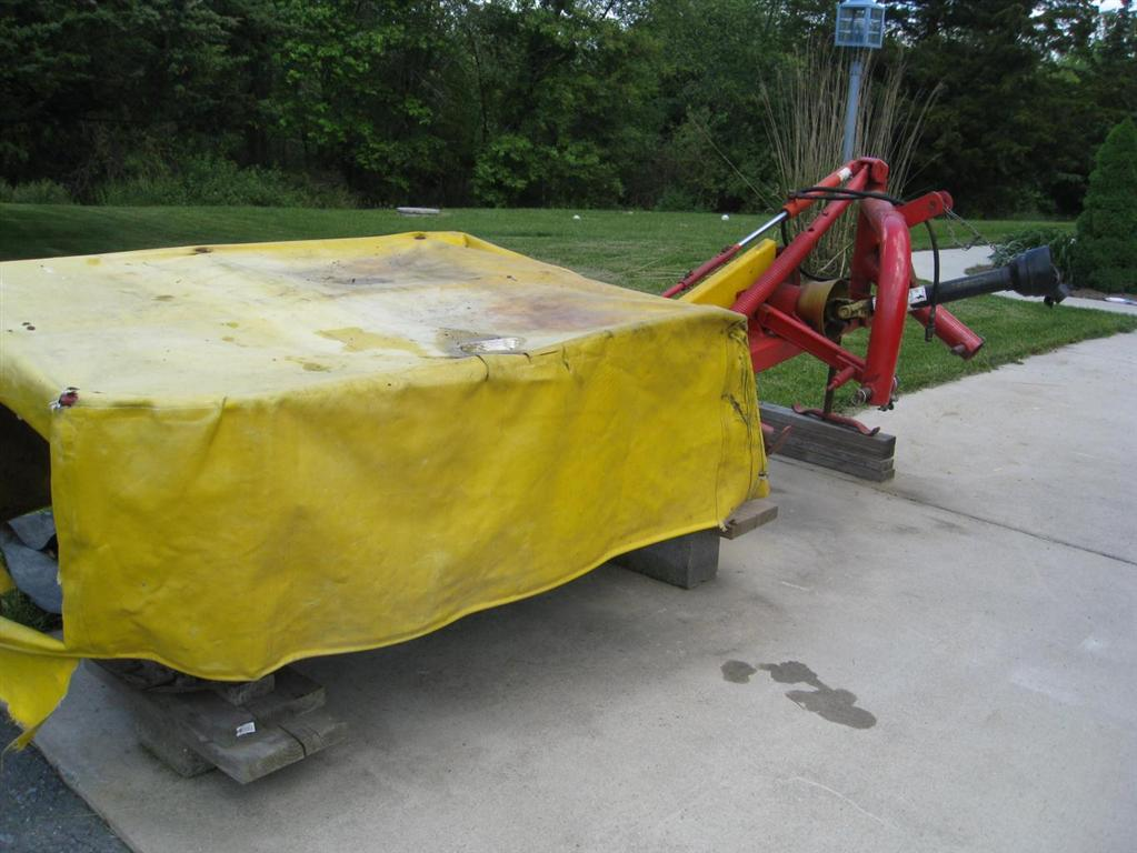 Used NEW HOLLAND 442 $3,200.00