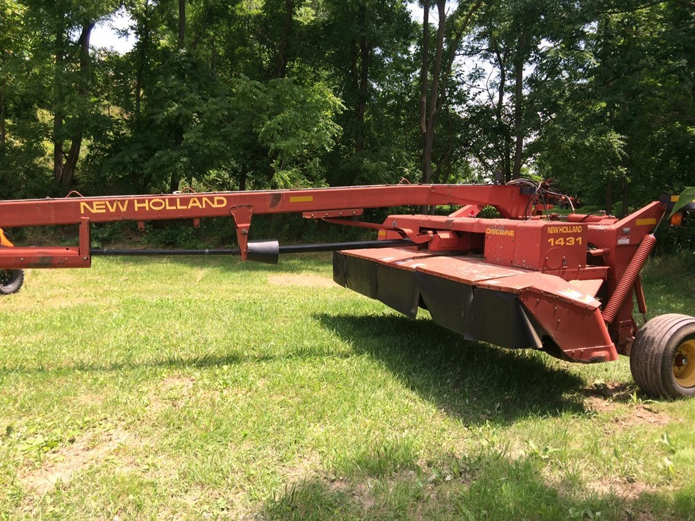 Used NEW HOLLAND 1431 $8,900.00