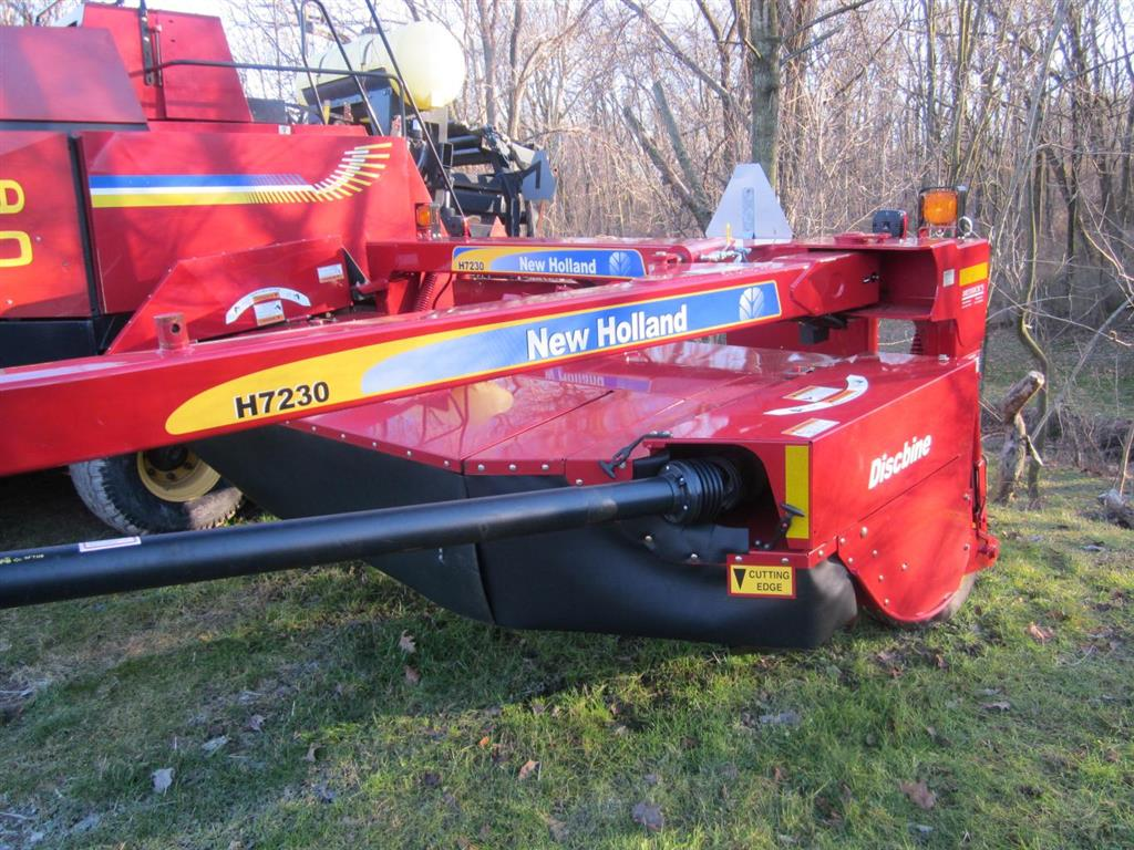 Used NEW HOLLAND H7230N $19,900.00