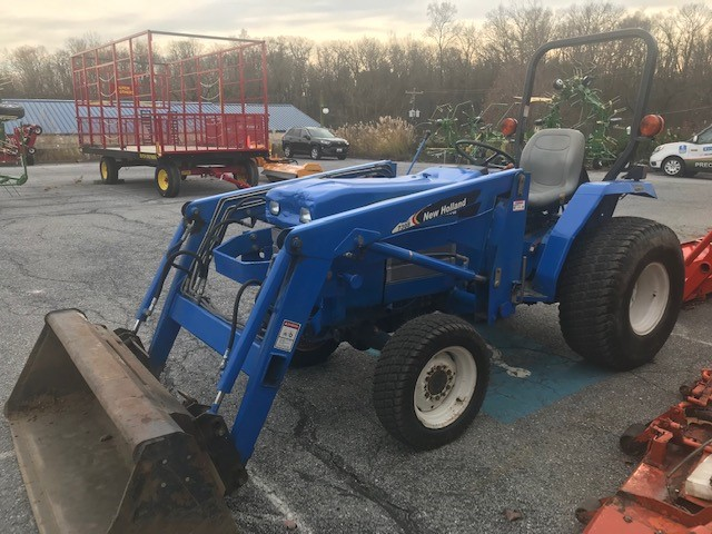 Used NEW HOLLAND TC30 $10,900.00