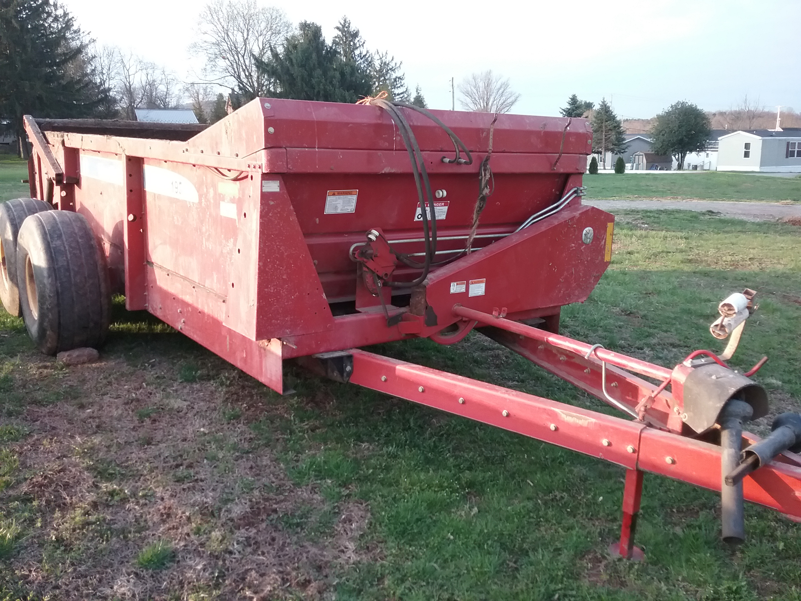 Used NEW HOLLAND 195 $8,900.00