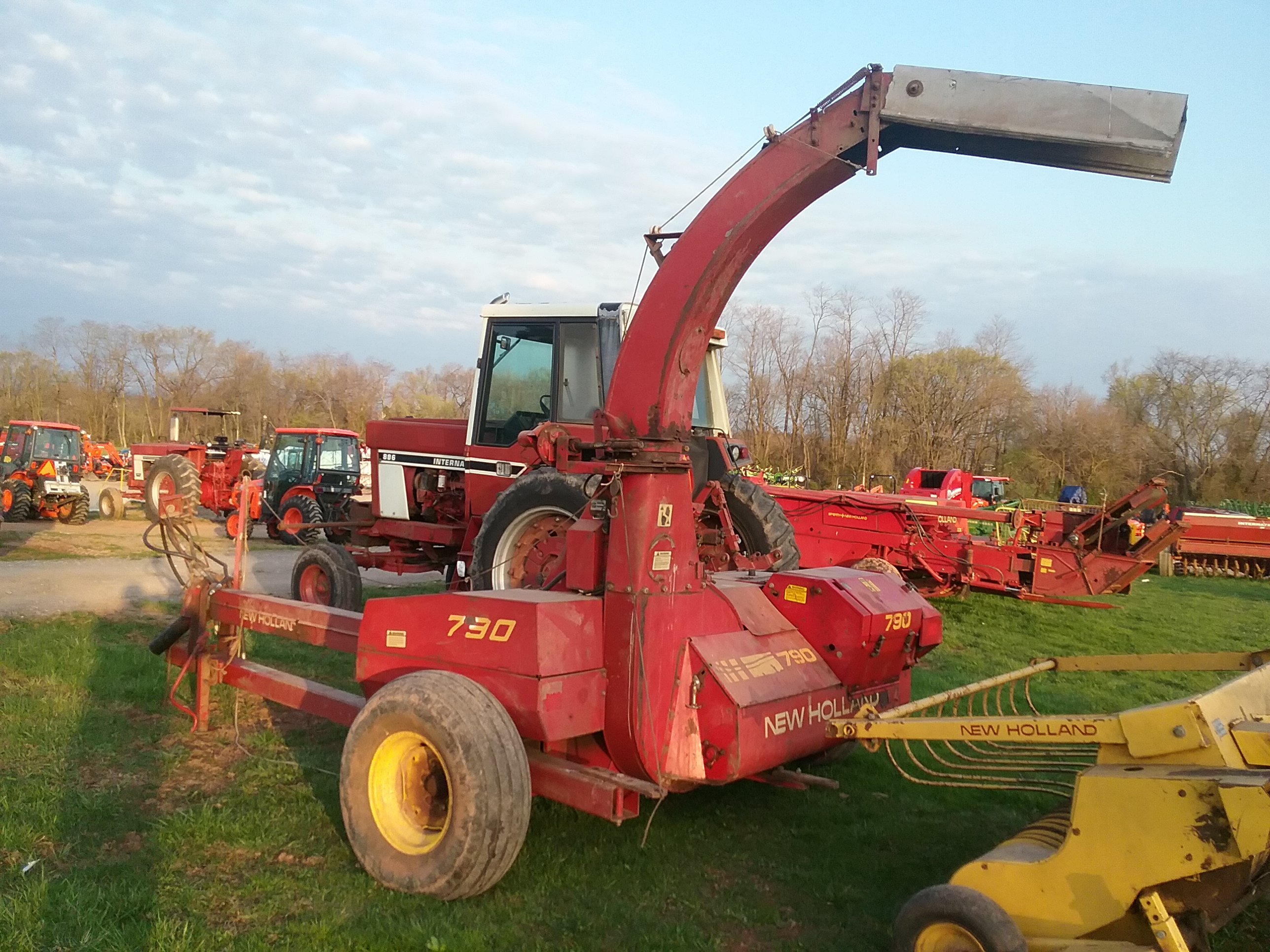 Used NEW HOLLAND 790 $6,950.00