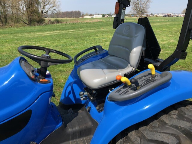 Used NEW HOLLAND TC33DA $9,300.00