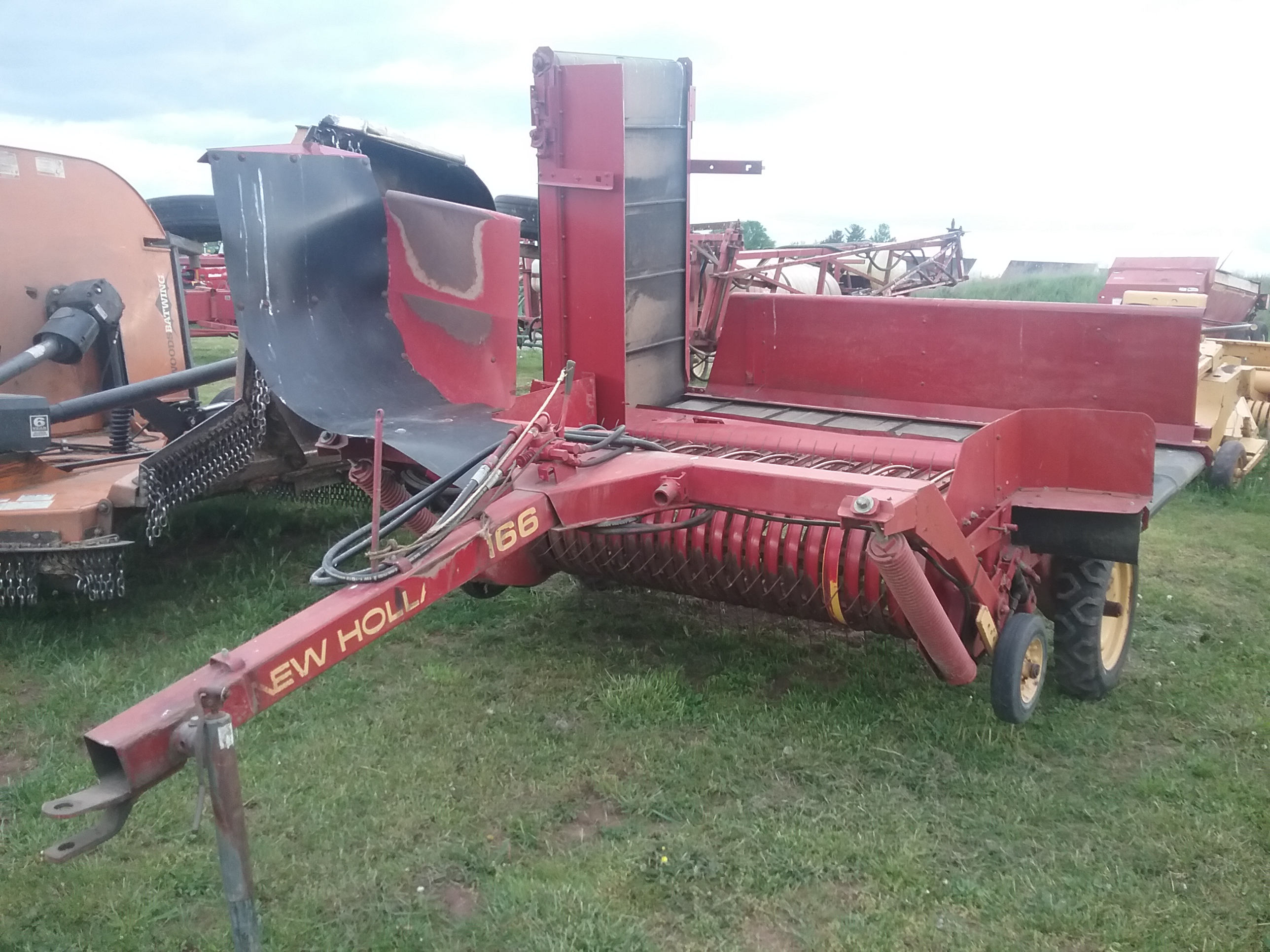 Used NEW HOLLAND 166 $3,850.00