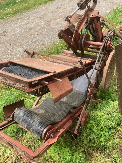 Used NEW HOLLAND 275 $2,450.00
