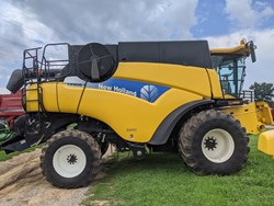 New Holland CR9040 used picture