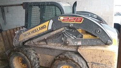 NEW HOLLAND L228