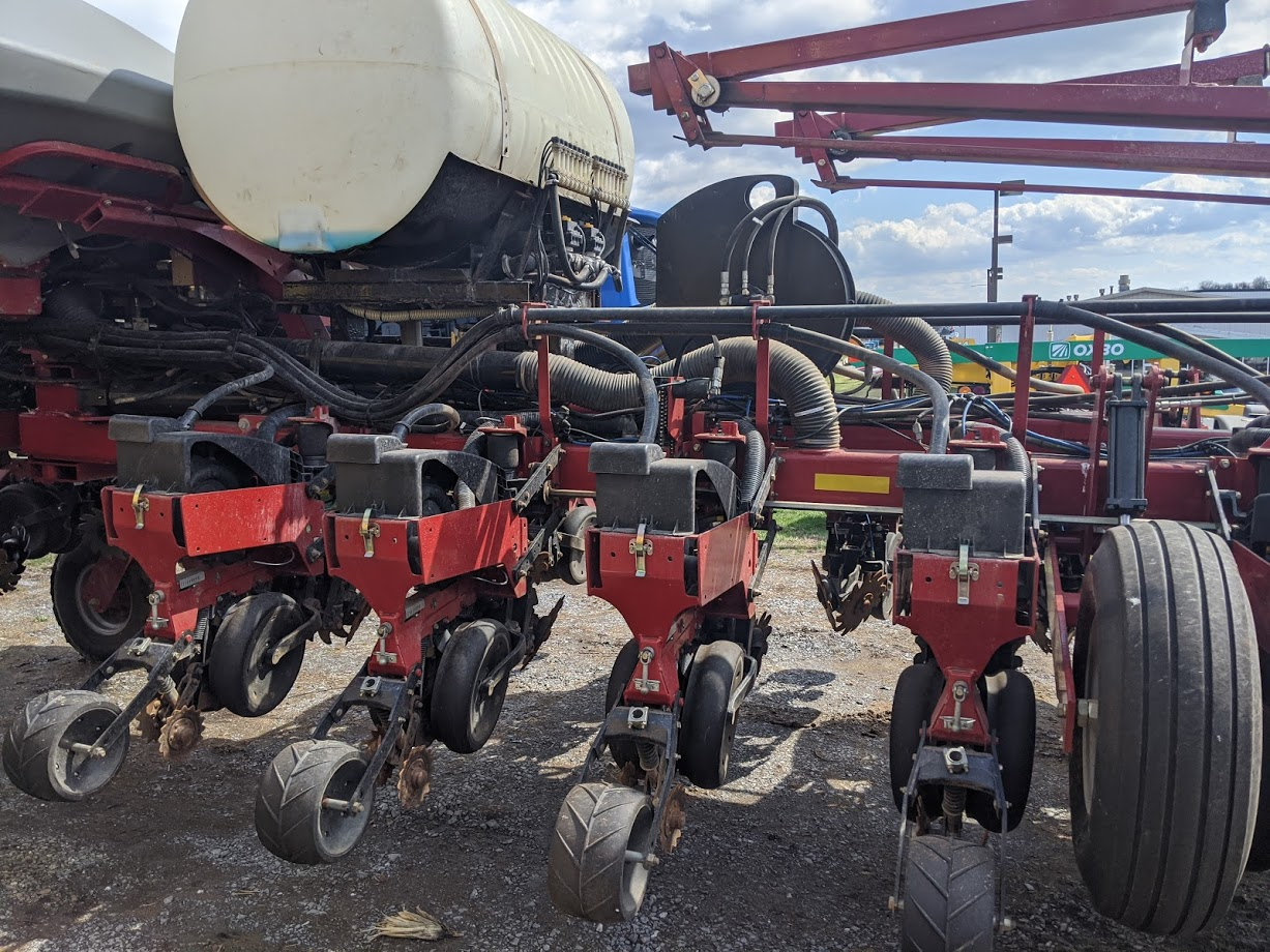 Used CASE-IH 1255 $65,900.00