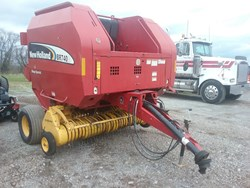 New Holland BR740A used picture