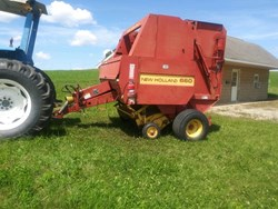 Used New Holland 660