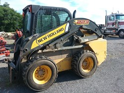 New Holland L223 used picture